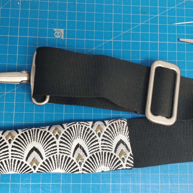 Couture de la bandoulière 1